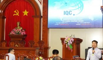 Ông Nguyễn Văn Thắng - Đại diện IQC trả lời các câu hỏi của doanh nghiệp tại Hội nghị.